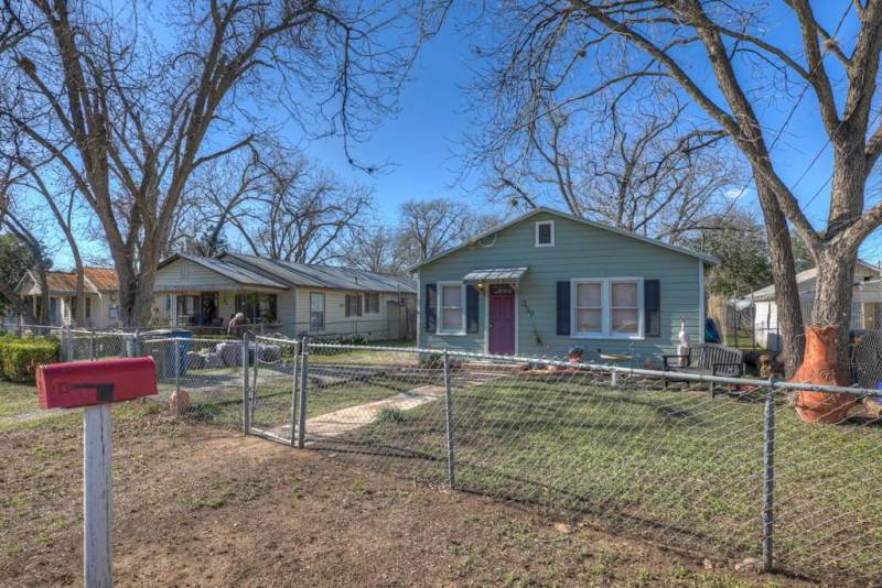 359 Seele Street, New Braunfels, Texas 78130, 2 Bedrooms Bedrooms, 4 Rooms Rooms,1 Bathroom Bathrooms,Residential,For Sale,Seele,62549568